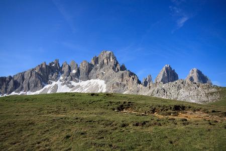 paternal: monte Paterno e tre cime di Lavaredo (Dolomiti)