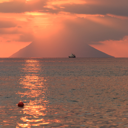 sunset on the island of Stromboli from Capo Vaticano Banco de Imagens - 101809389