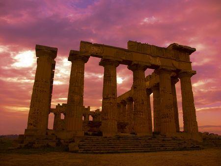 colonnade: temple