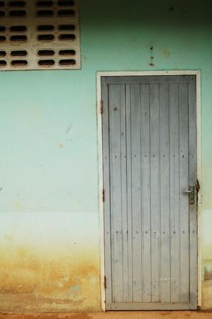 inscrutable: Old door