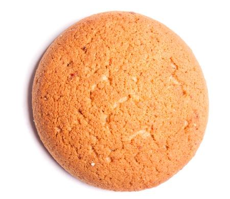 galletas de jengibre: galletas sabrosas sobre un fondo blanco