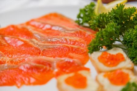 carnes rojas: pescado de carne roja de cerca como fondo