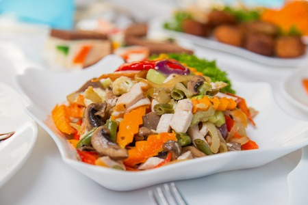 salad plate: Salad plate with meat and vegetables Archivio Fotografico