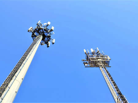 Telecommunication tower of 4G and 5G cellular. Cell Site Base Station. Wireless Communication Antenna Transmitter. Technology on the top of the telecommunication GSM (5G, 4G) 版權商用圖片
