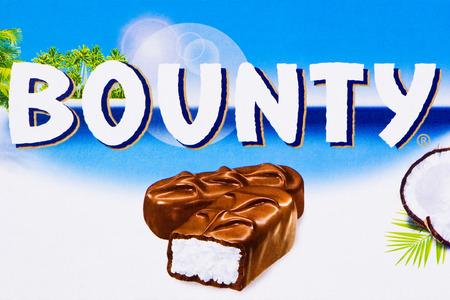 bounty: Arad, Rumania - 06 de abril 2012 logo Bounty impreso en tiro de cart�n Estudio
