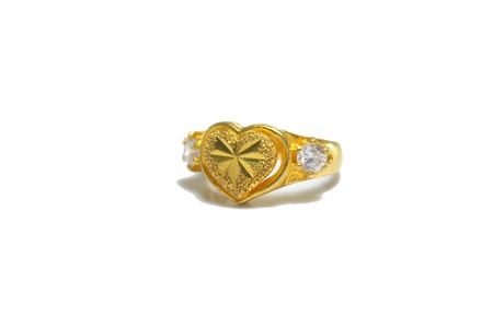 Anillo en forma de coraz�n photo