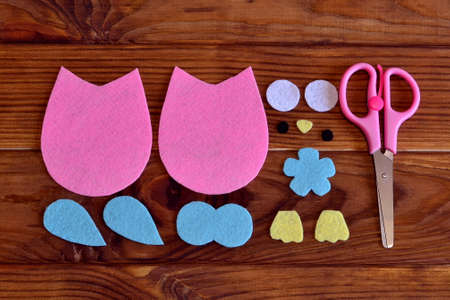 Felt owl pattern, scissors. Felt owl pattern, scissors. How to make a cute felt owl toy - kids DIY crafts tutorial. Home kids craft. Basic sewing projects for beginners kids. Basic sewing projects