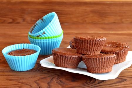 Köstliche Hausgemachte Cupcakes. Süßes Gebäck. Backformen.  Schokoladenkleiner Kuchen In Einer Form