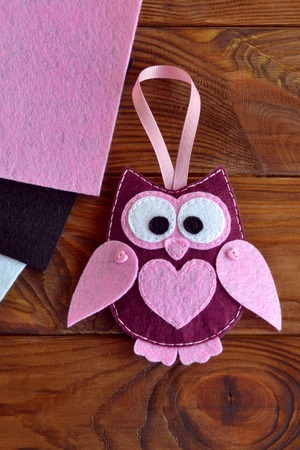 Felt owl toy. Kids DIY. Gift to mothers day, 8 March, Valentines day