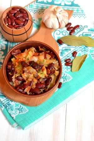Stewed cabbage with red beans