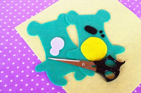 selfmade: Handmade felt green bear set