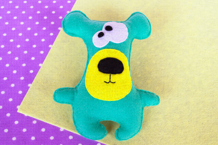 selfmade: Handmade felt green bear toy
