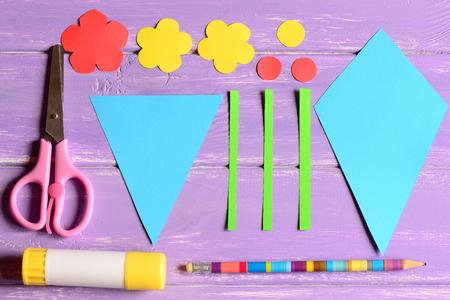 Making Paper Crafts For Mothers Day Or Birthday Step Cut Details
