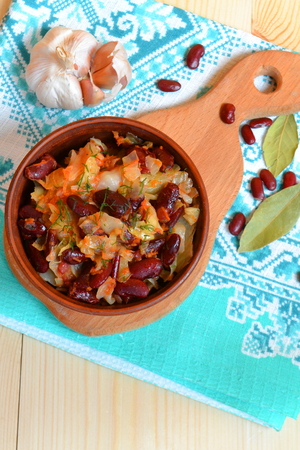 haricot: Stewed cabbage with red beans