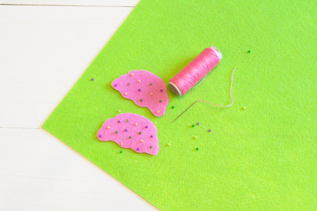 Sewing set for felt cupcake - how to make a cupcake toy handmade