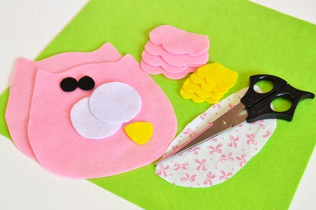 Sewing set for felt owl - how to make an owl handmade toy