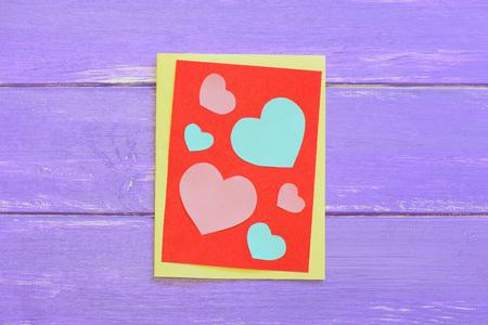 Tarjeta Del Día De San Valentín Con Corazones De Color Rosa Y Azul ...