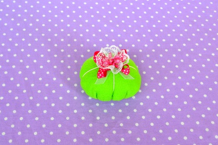 Making felt pin cushion. How to make a felt pin cushion, step-by-step. Simple sewing for kids. Hand sewing projects for beginners. Hand sewing project. Things to sew