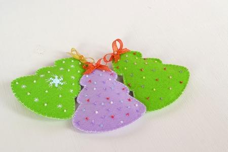 Handmade felt Christmas trees. Christmas ornaments idea. Easy Christmas ornaments. Holiday decorations. Felt Christmas decorations crafts