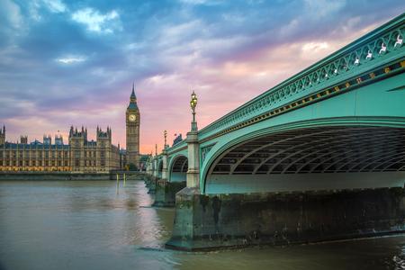 Westminster Bridge, Big Ben and Houses of Parliament at sunset, London, UK 版權商用圖片
