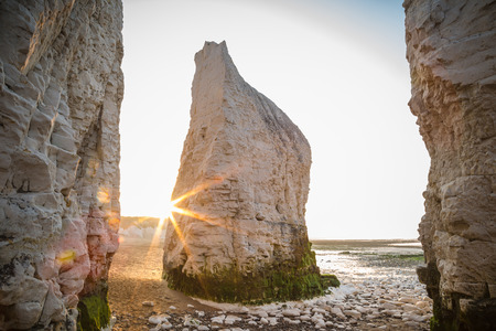 Sunset at Kingsgate beach with rocks, England, UK 版權商用圖片