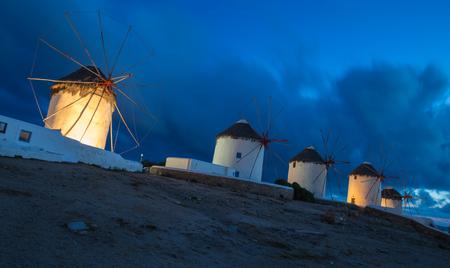 The windmills of Mykonos at blue hour, Greece 版權商用圖片