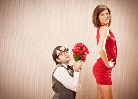 オタク彼氏男婚約愛バレンタインデーのバラとガール フレンドに提案