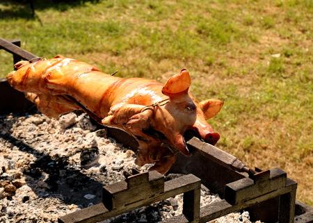 Pig on a skewer Foto de archivo - 109201930