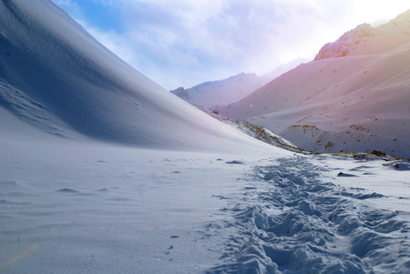 ray trace: Winter Mountains and footprints on the snow