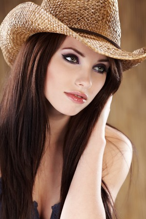 morena: Cowgirl hermosa