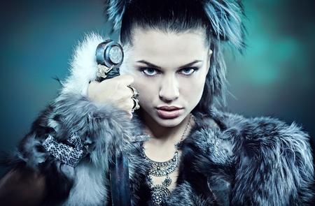vikingo: Mujer guerrera. Fantas�a idea de la moda.