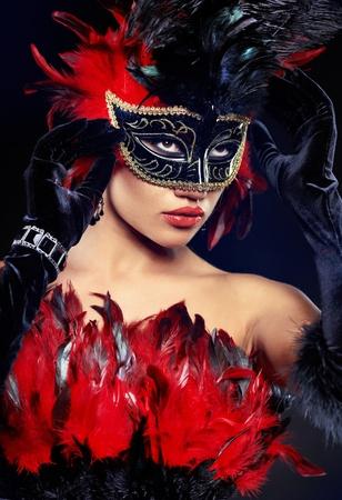 antifaz carnaval: hermosa mujer con m�scara Foto de archivo
