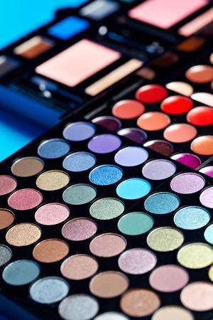 eyemakeup: Make-up colorful eyeshadow palettes