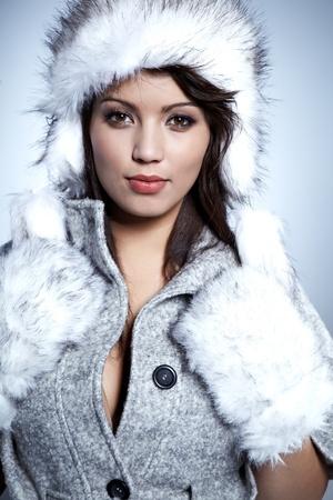 ropa de invierno: Invierno Mujer Sonriente