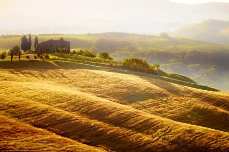 campagna: Paesaggio in Toscana al tramonto in estate Archivio Fotografico