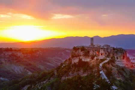 lazio: Civita di Bagnoregio is a town in the Province of Viterbo in Central Italy, a frazione of the comune of Bagnoregio
