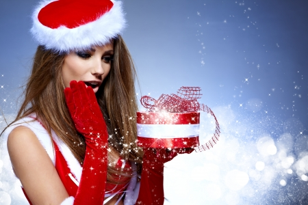 asian girl shopping: christmas woman with gifts box