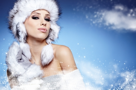 Winter woman portrait  Stock Photo - 16732300