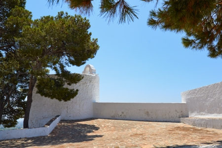 whitewashed: Typical whitewashed houses in village