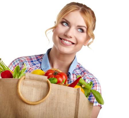 mujer de compras de frutas y verduras photo