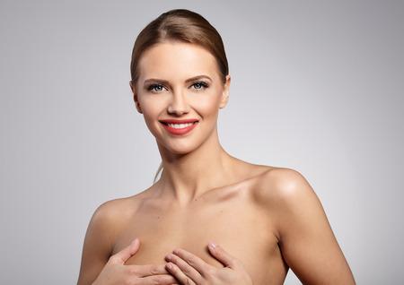 schöne augen: Natural Beauty Portrait. Schöne Spa Frau. Perfekte frische Haut.