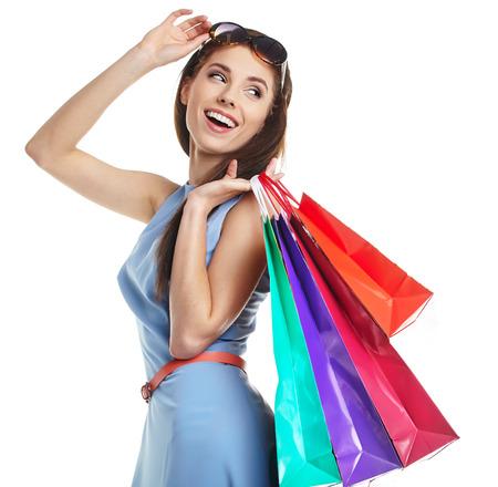 jolie femme avec sacs sur blanc Banque d'images