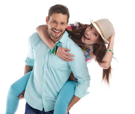 Portrait eines glücklichen Paar auf weißem Hintergrund.