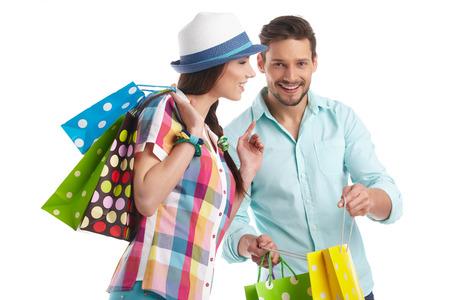 compras: Pareja con bolsas de la compra Foto de archivo