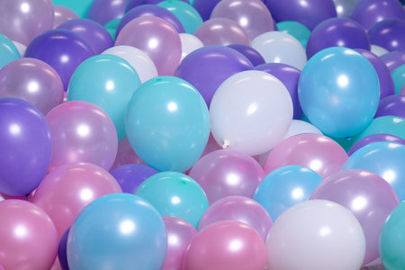 turkooizen achtergrond met lucht ballonnen