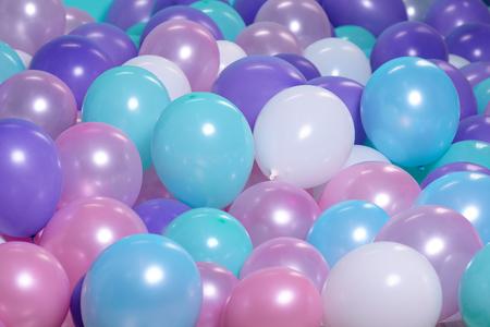 turquesa de fondo con globos de aire