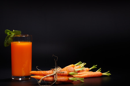 Refreshments: healthy vegetable juices for refreshment and as an antioxidant .