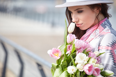 beautiful flowers: Woman with tulips. Beautiful woman with flowers.
