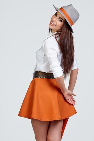 modèle féminin sensuel souriant. Banque d'images