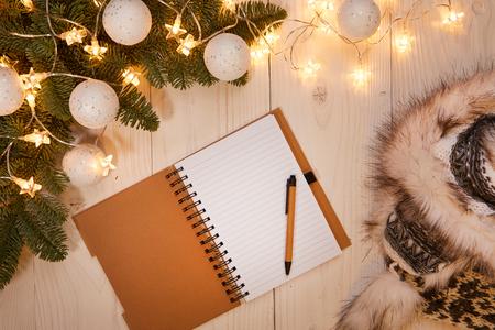 christmas budget: Christmas shopping list background